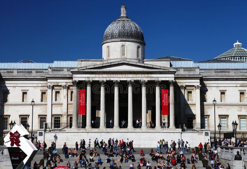 El National Gallery en el cuadrado de Trafalgar de Londres fotos de archivo libres de regalías