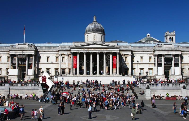 El National Gallery en el cuadrado de Trafalgar de Londres imagen de archivo