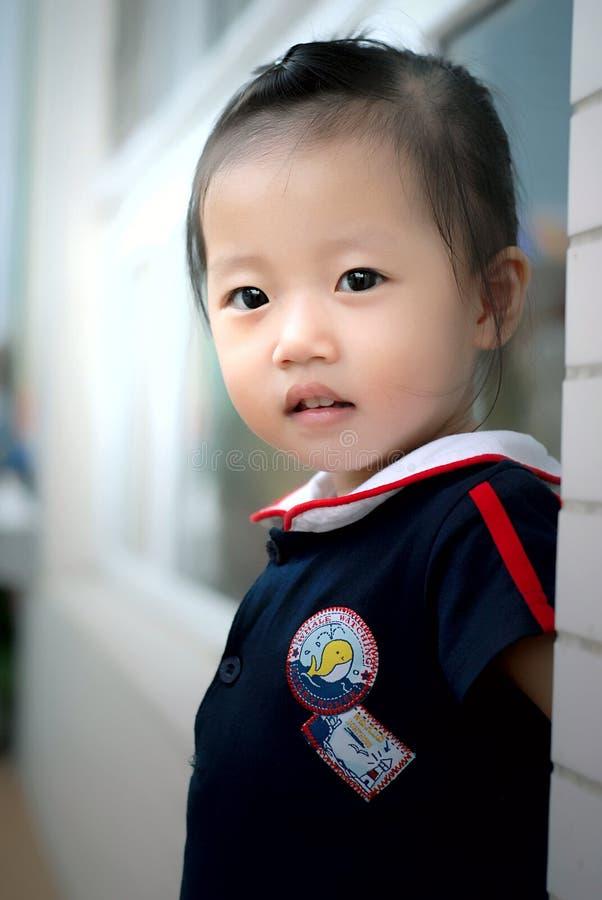 el niño chino imagen de archivo