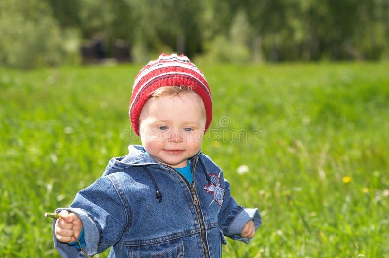 El niño encantador foto de archivo