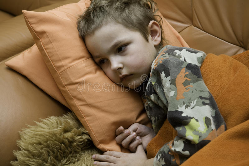 El niño enfermo fotografía de archivo libre de regalías