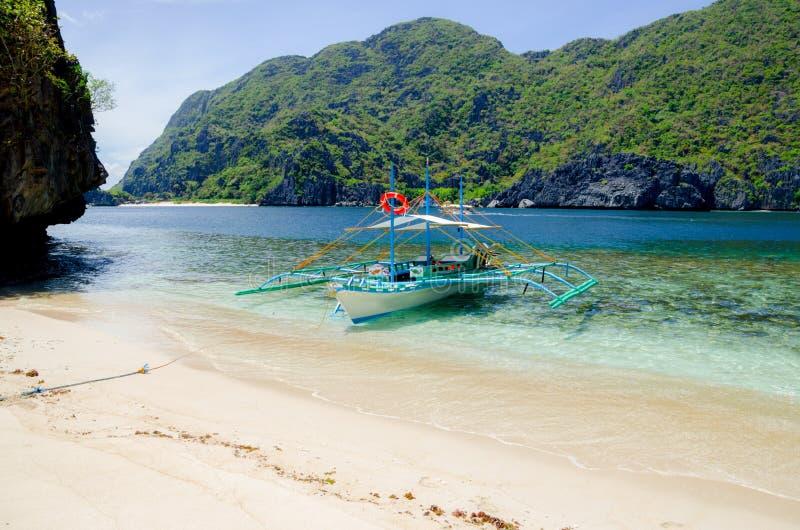 EL Nido, Φιλιππίνες - banca στην παραλία, νησί Tapiutan στοκ εικόνες με δικαίωμα ελεύθερης χρήσης