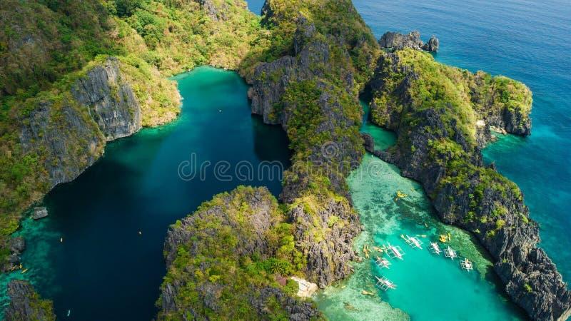 EL Nido, Palawan, die Philippinen Vogelperspektive der großen Lagune, der kleinen Lagune und der Kalksteinklippen lizenzfreies stockfoto