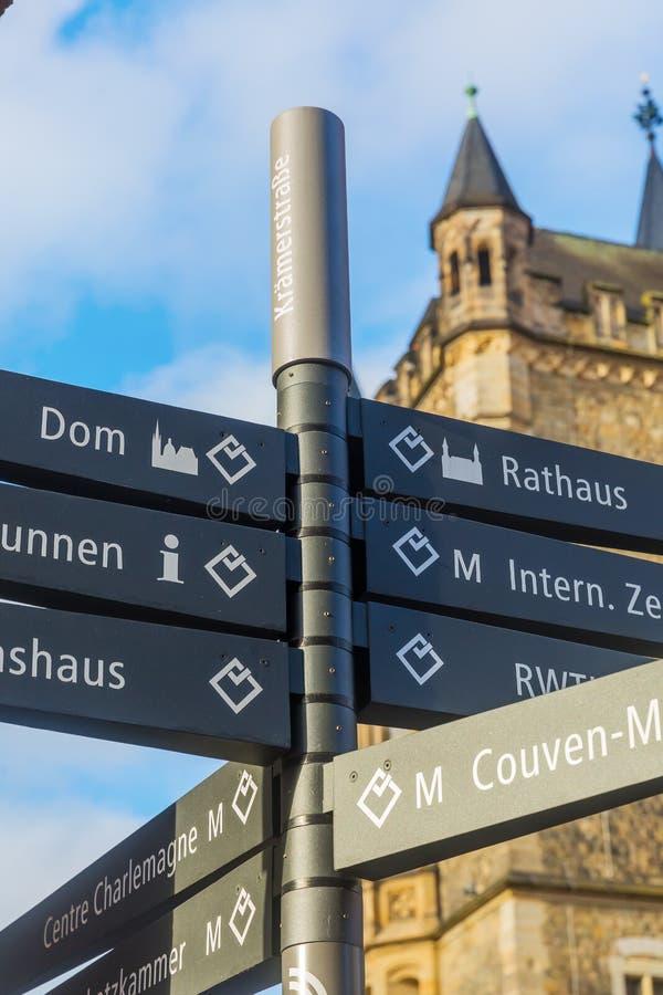 El nombre de la calle firma adentro Aquisgrán, Alemania fotos de archivo libres de regalías