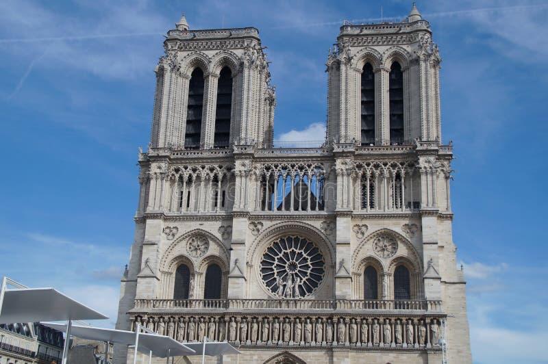 El Notre-Dame de Paris de la catedral - Francia fotografía de archivo
