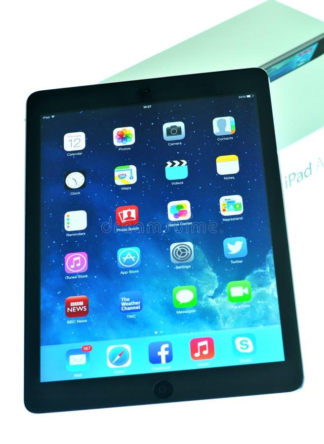 El nuevo aire del iPad fuera de la caja foto de archivo