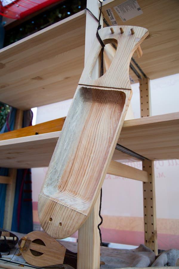 El objeto para la fabricación de un instrumento musical, la arpa foto de archivo