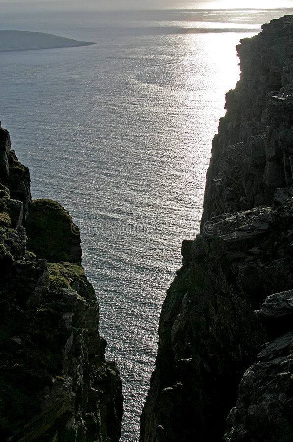 Download El Océano ártico Entre Las Rocas Imagen de archivo - Imagen de brillante, holiday: 1288395
