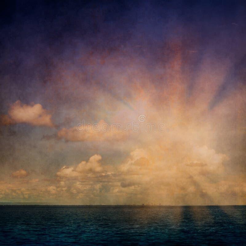 El océano del cielo se nubla grunge fotografía de archivo libre de regalías