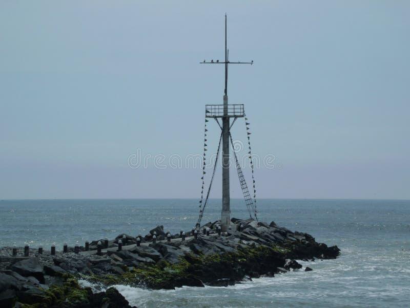 El Océano Pacífico en Lima, Perú imagenes de archivo