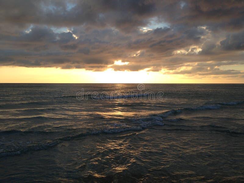 El océano Sunset imagen de archivo libre de regalías