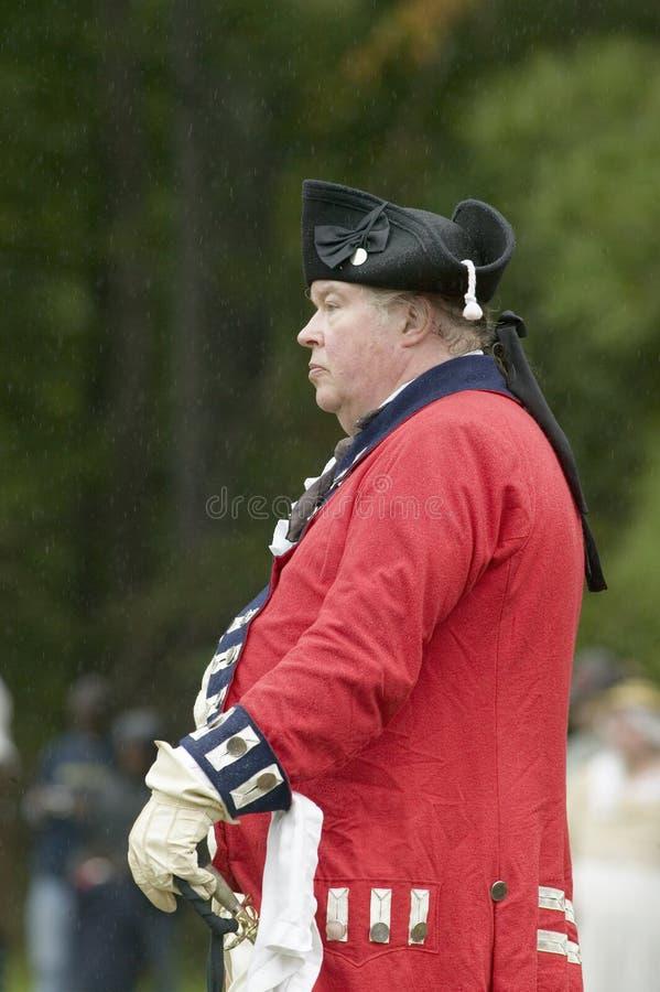 El oficial británico comtempla la entrega a general George Washington en el 225o aniversario de la victoria en Yorktown, un ree imágenes de archivo libres de regalías