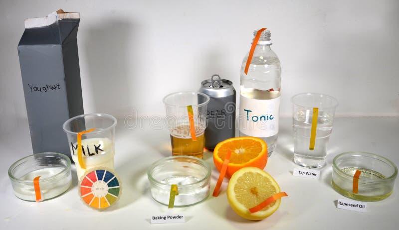 El og del grado del pH algunos alimentos diarios foto de archivo libre de regalías