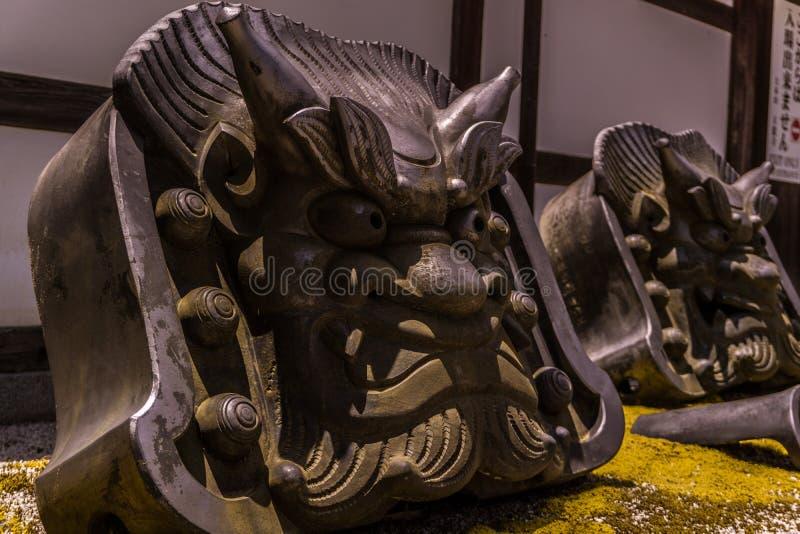 El oni del demonio empiedra los protectores del templo fotos de archivo