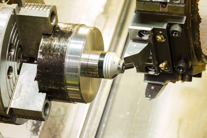 Download El Operador Puso Cero De La Herramienta De Corte Antes De Torno Del CNC Foto de archivo - Imagen de drilling, turning: 44850422