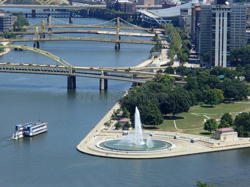 El PA de Pittsburgh de los ríos de la fuente tres del punto imágenes de archivo libres de regalías