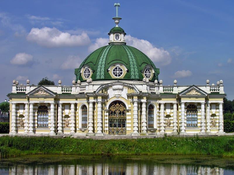 El pabellón de la gruta en el estado de Kuskovo imágenes de archivo libres de regalías