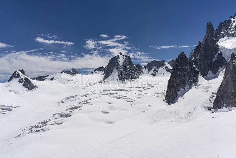 El paisaje majestuoso hermoso del macizo de Mont Blanc montan@as imagenes de archivo