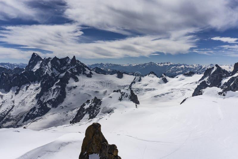 El paisaje majestuoso hermoso del macizo de Mont Blanc montan@as imagen de archivo