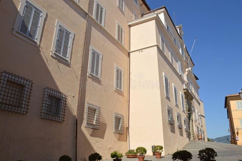 El palacio apostólico de las jefaturas de Castel Gandolfo de la papá fotografía de archivo libre de regalías