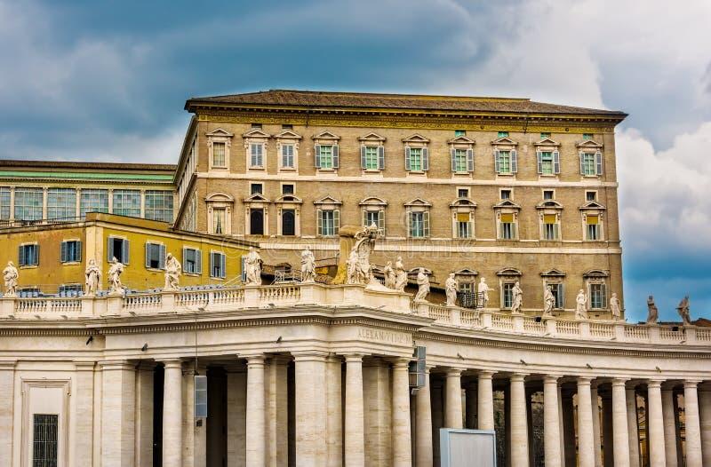El palacio apostólico en la Ciudad del Vaticano fotos de archivo libres de regalías