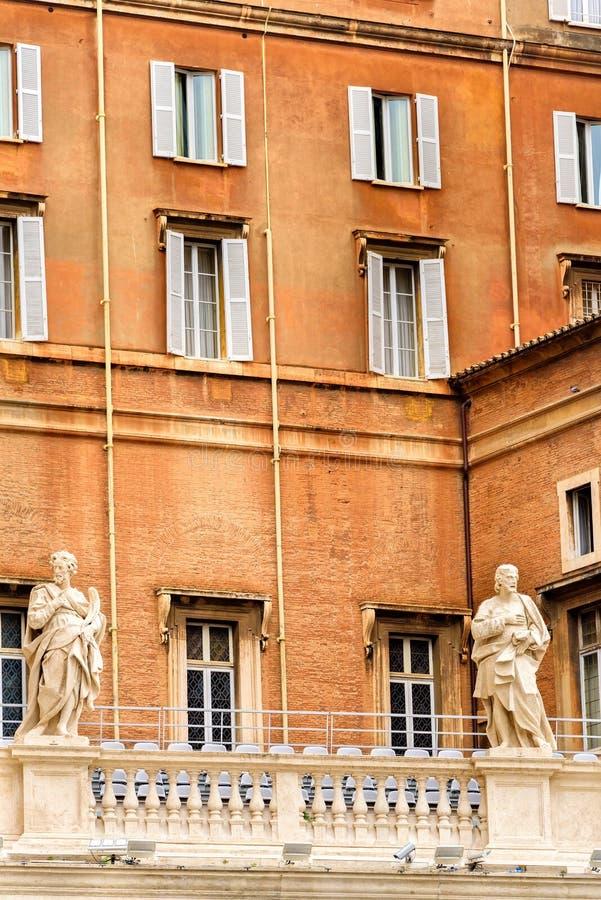 El palacio apostólico en la Ciudad del Vaticano fotografía de archivo libre de regalías
