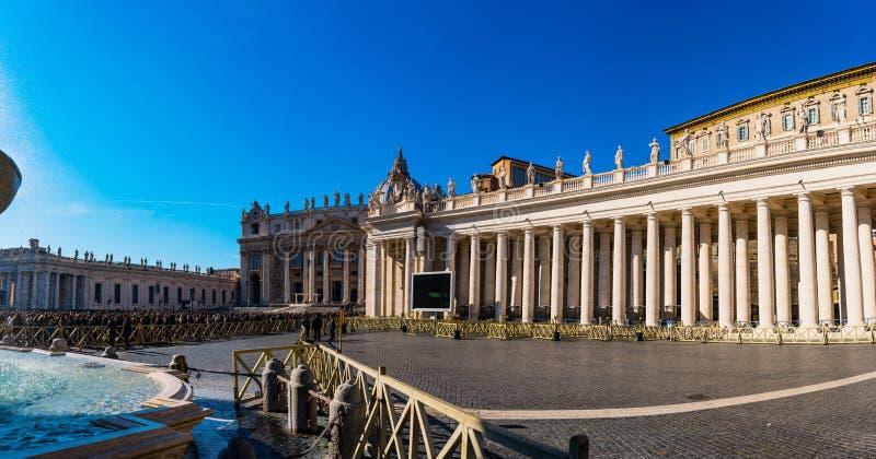 El palacio apostólico es residencia del papa, Vaticano fotos de archivo libres de regalías
