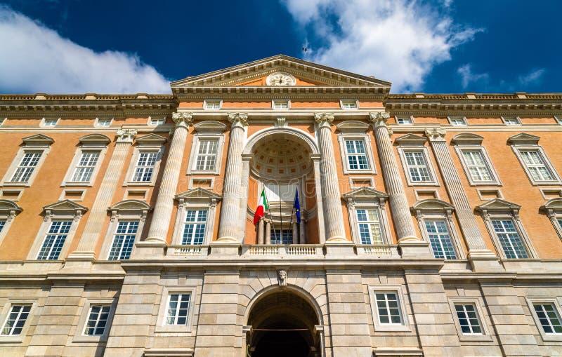 El palacio de Caserta, una residencia real anterior imágenes de archivo libres de regalías