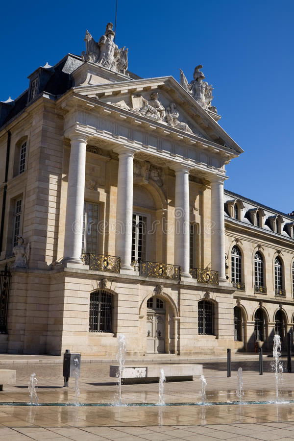 El palacio de duques de Borgoña en Dijon, Francia imágenes de archivo libres de regalías