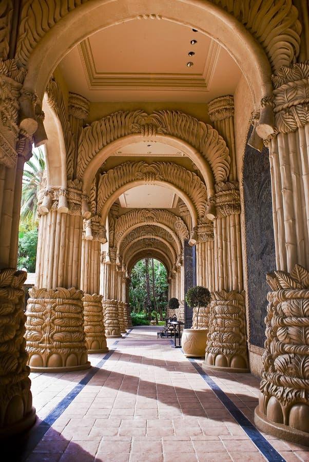 El palacio de la ciudad perdida - entrada arqueada fotografía de archivo