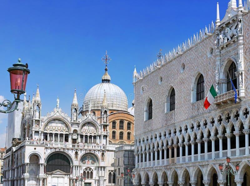 El palacio del dux, catedral de San Marco, Venecia fotografía de archivo libre de regalías