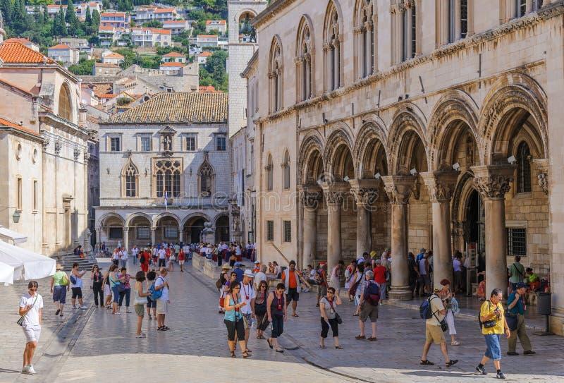 El palacio del rector de Dubrovnik y palacio de Sponza imagen de archivo libre de regalías