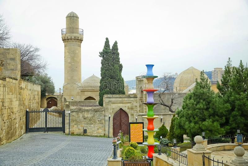 El palacio del Shirvanshahs es un palacio del siglo XV construido por el Shirvanshahs, situado en la ciudad vieja de Baku, Azerba foto de archivo