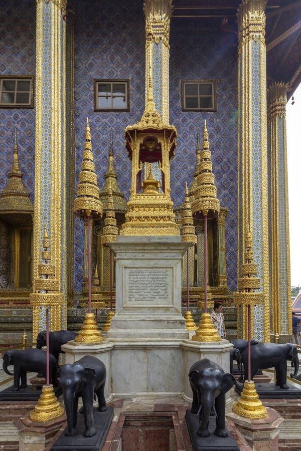 El palacio magnífico, en el corazón de Bangkok, su construcción comenzó 1782, en la orden de rey Phutthayotfa Chulalok tailandia fotografía de archivo libre de regalías