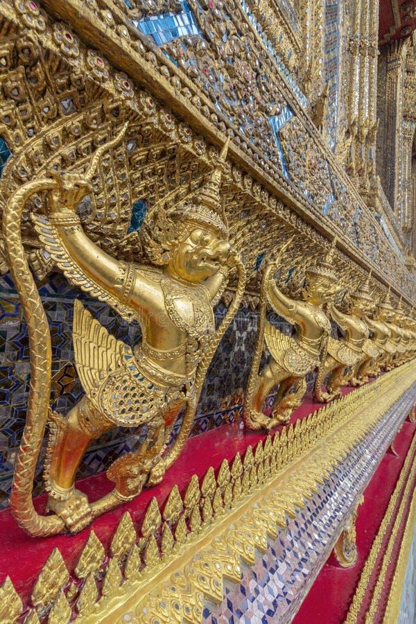 El palacio magnífico, en el corazón de Bangkok, su construcción comenzó 1782, en la orden de rey Phutthayotfa Chulalok tailandia imágenes de archivo libres de regalías