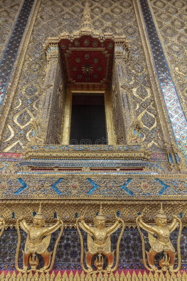 El palacio magnífico, en el corazón de Bangkok, su construcción comenzó 1782, en la orden de rey Phutthayotfa Chulalok tailandia imagen de archivo