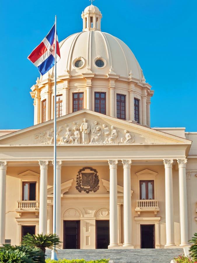 El palacio nacional en Santo Domingo contiene las oficinas de la E fotos de archivo libres de regalías
