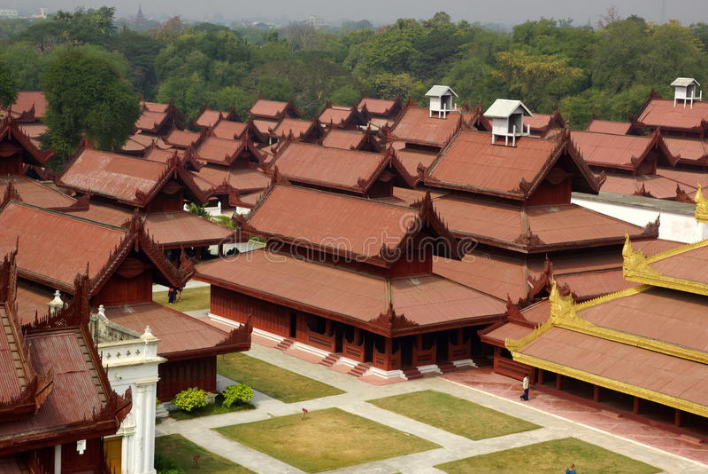 El palacio real en Mandalay, Myanmar imagenes de archivo