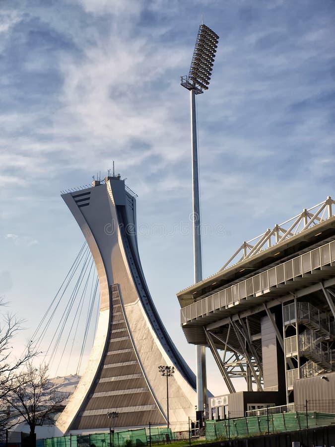 El palo del estadio Olímpico y el estadio de Saputo fotos de archivo