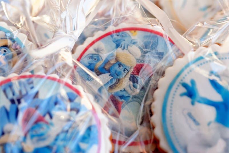 El pan de jengibre del diseño de Smurf heló las galletas foto de archivo libre de regalías