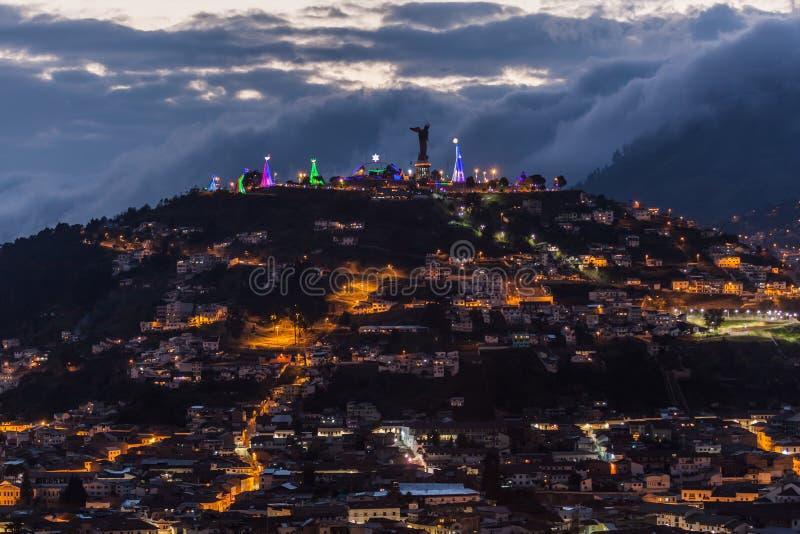 EL Panecillo, pequeña colina en el centro de Quito imagen de archivo