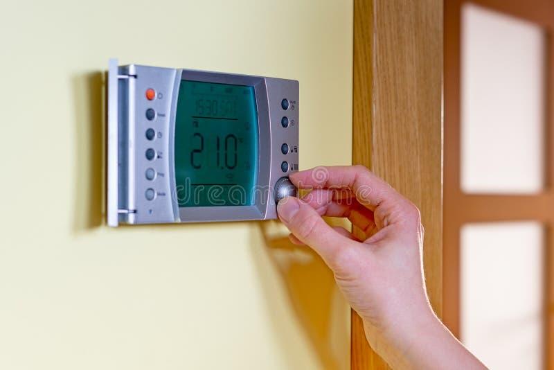 El panel de la caldera de gas para la agua caliente y la calefacción fotografía de archivo libre de regalías