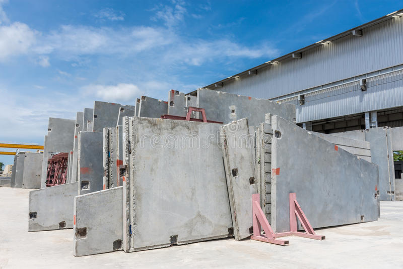 El panel de muro de cemento prefabricado fotografía de archivo