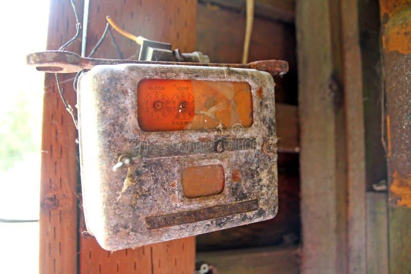El panel eléctrico oxidado imagen de archivo