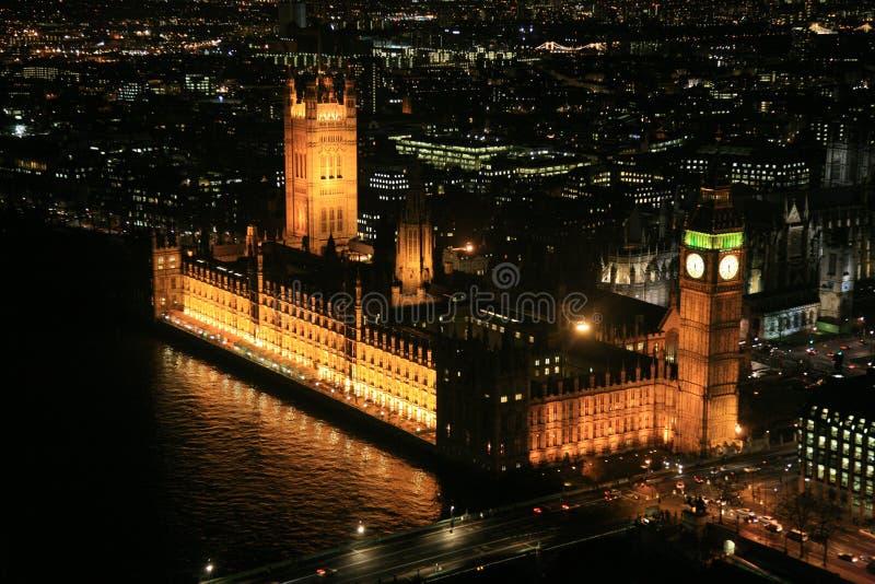 El parlamento contiene en Londres fotografía de archivo libre de regalías