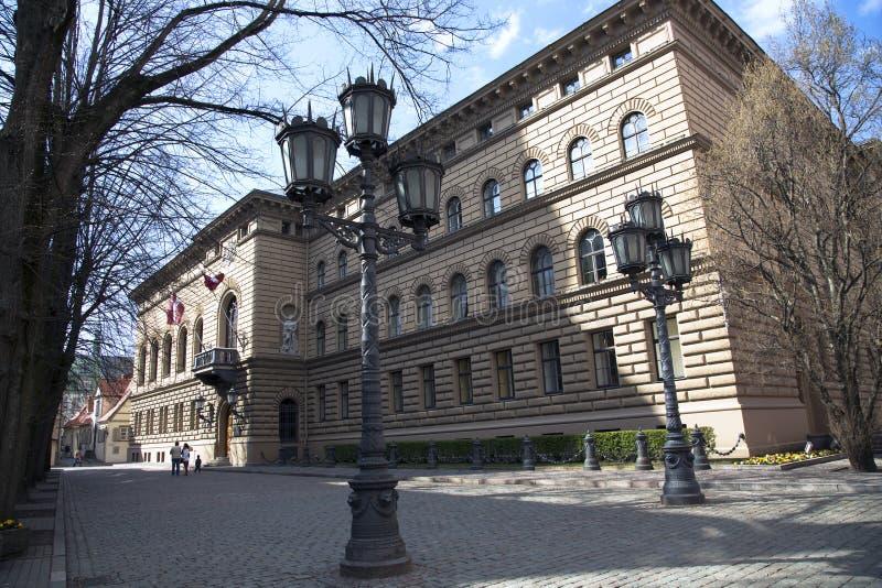 El parlamento de la república letona fotos de archivo