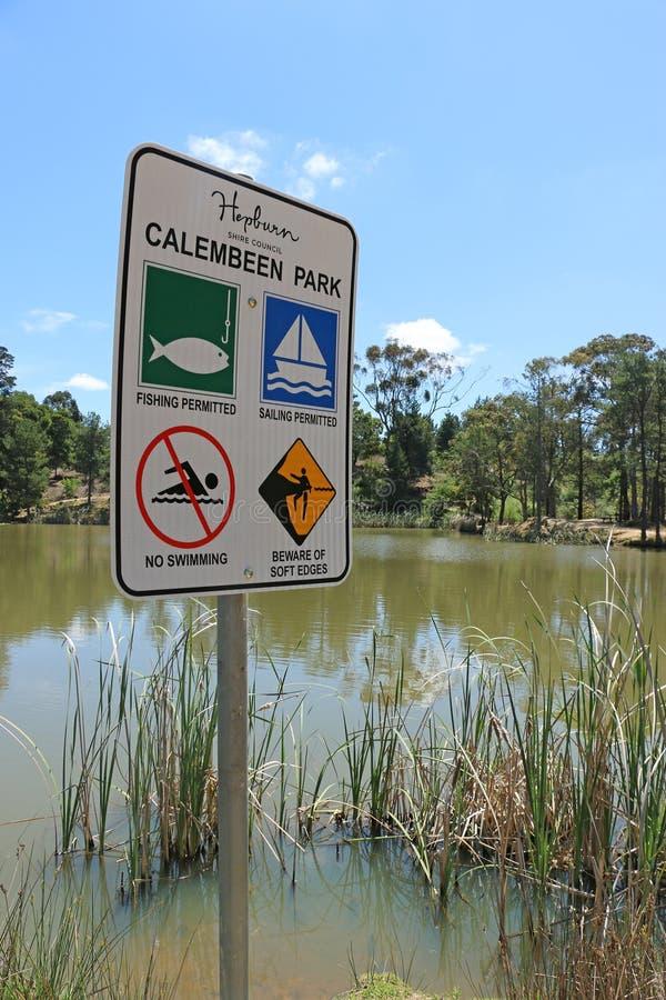 El parque de Calembeen es una reserva recreativa herencia-mencionada en Creswick, popular para pescar con caña, navegar y la reco imagen de archivo libre de regalías