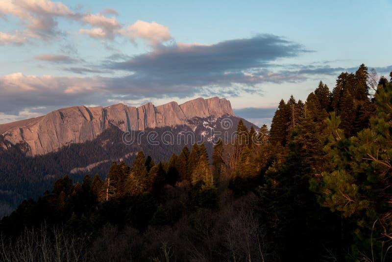 El parque natural grande de Thach de la montaña fotos de archivo