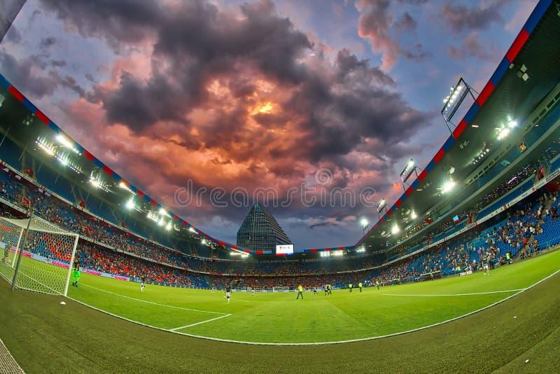 El partido de liga de los campeones de UEFA entre el PAOK contra Basilea jugó en el St imagen de archivo libre de regalías