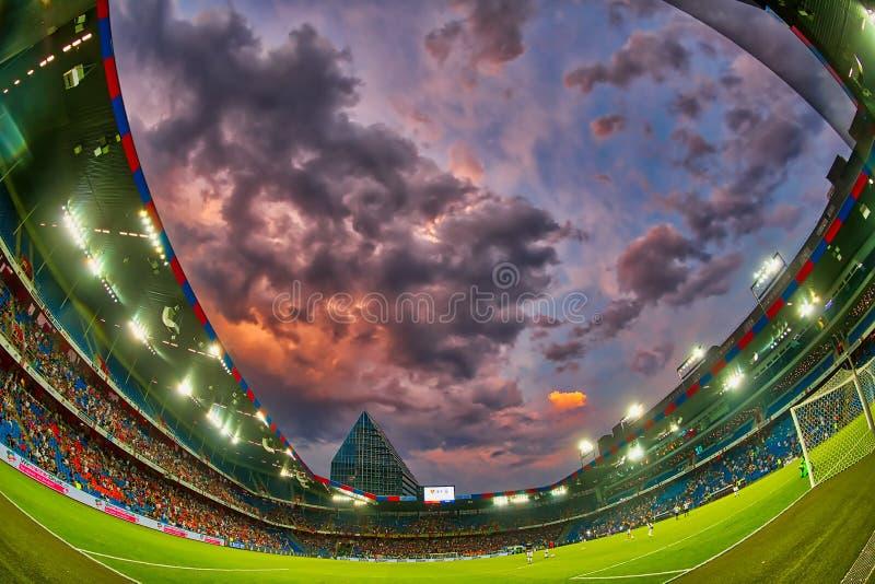 El partido de liga de los campeones de UEFA entre el PAOK contra Basilea jugó en el St fotografía de archivo